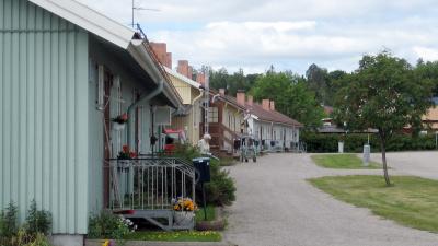 Radhuslänga i ett plan med egen ingång.